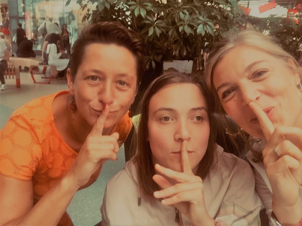 <Photo of Les Silencieuses (Profile Group)>